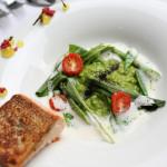 Grillitud lõhe, roheline kaer ja köögiviljad