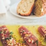 Värske tuunikala maitsestatud ingveri, laimi ja koriandriga